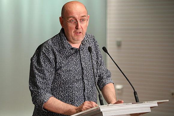 El profesor y crítico de arte Castro Flórez inaugura el curso de la Real Academia Canaria de Bellas Artes // CanariasCreativa.com