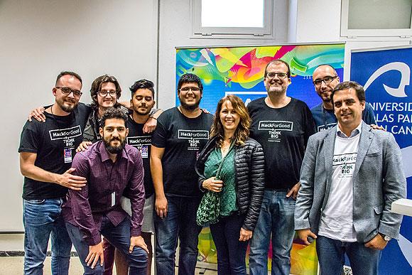 """El equipo """"Testigos de Fourier"""" y sus nuevos algoritmos para la detección de tejidos tumorales se alzan con el 1er premio de HackForGood Canarias // CanariasCreativa.com"""